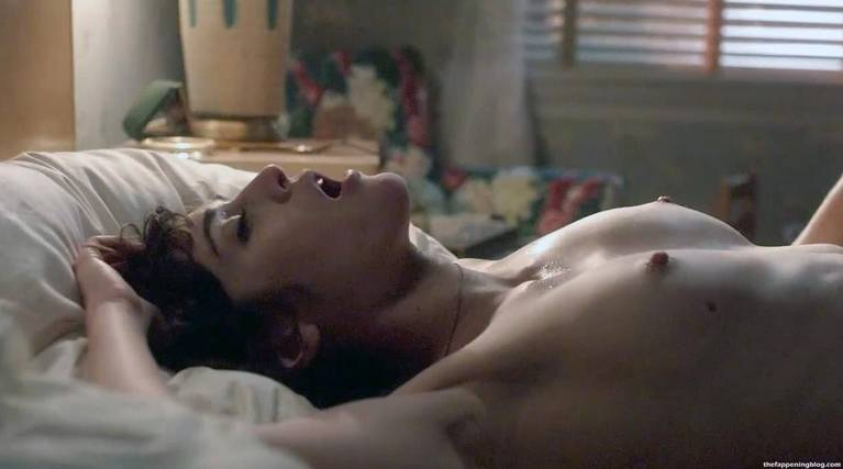 Lizzy Caplan Naked Sexy Leaked The Fappening 38