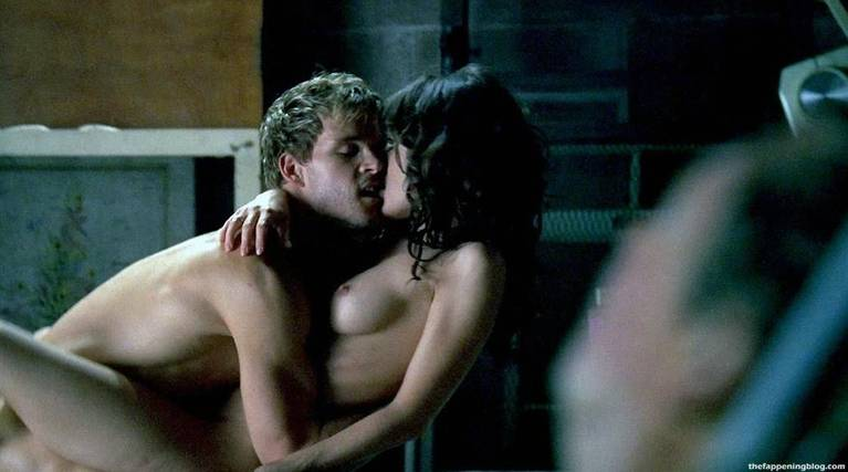 Lizzy Caplan Naked Sexy Leaked The Fappening 58