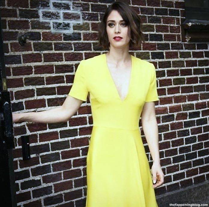 Lizzy Caplan Naked Sexy Leaked The Fappening 76