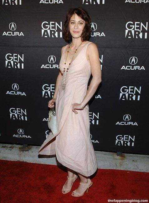 Lizzy Caplan Naked Sexy Leaked The Fappening 86