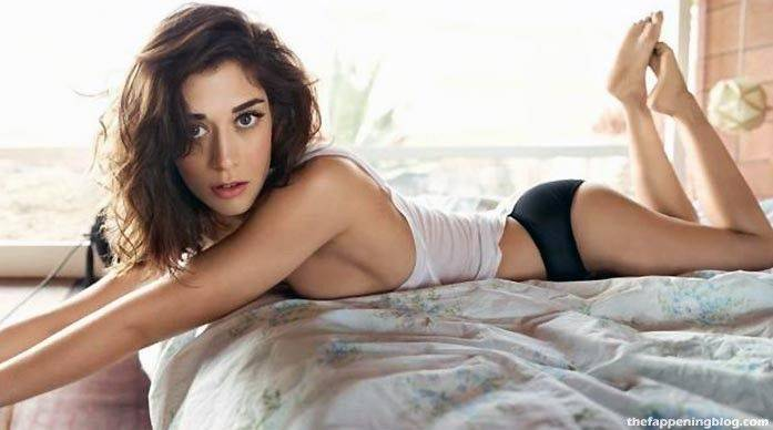 Lizzy Caplan Naked Sexy Leaked The Fappening 101