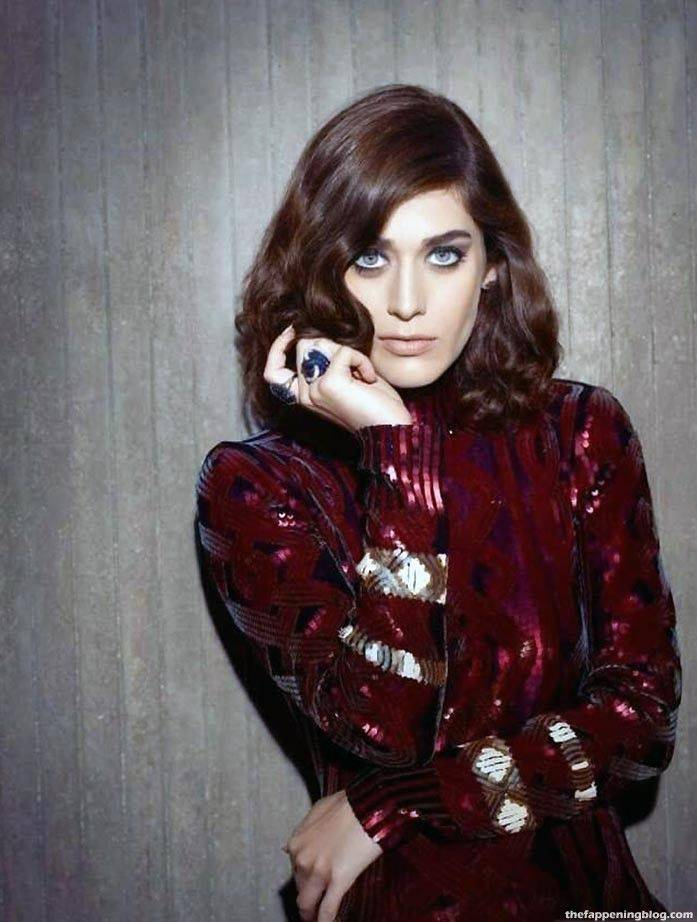 Lizzy Caplan Naked Sexy Leaked The Fappening 102