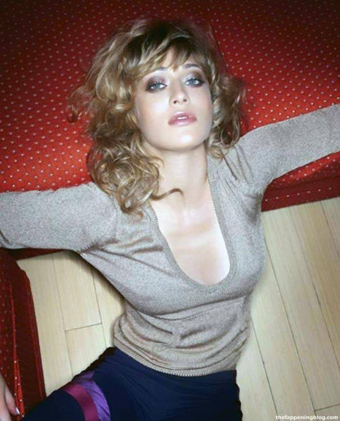 Lizzy Caplan Naked Sexy Leaked The Fappening 116