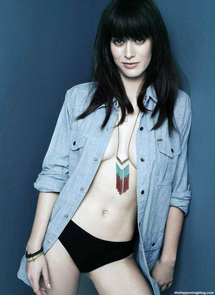 Lizzy Caplan Naked Sexy Leaked The Fappening 121