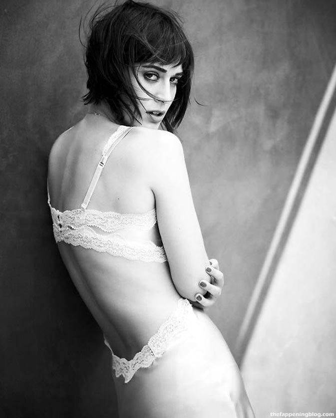 Lizzy Caplan Naked Sexy Leaked The Fappening 127