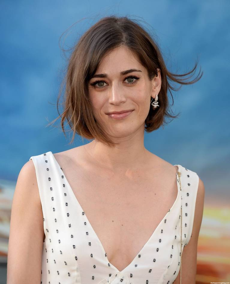 Lizzy Caplan Naked Sexy Leaked The Fappening 135