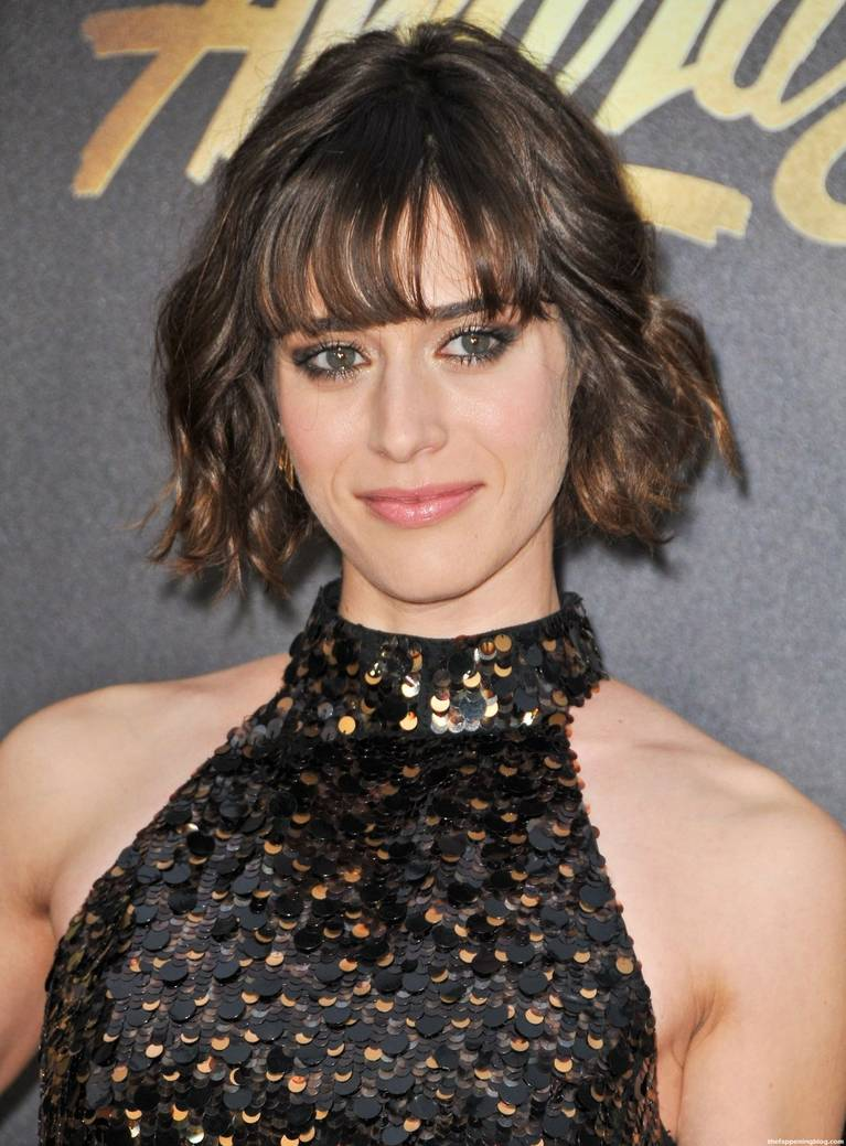 Lizzy Caplan Naked Sexy Leaked The Fappening 140
