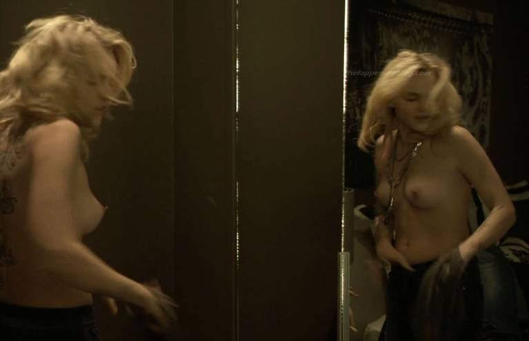 Madeline Brewer Nude Sexy 11