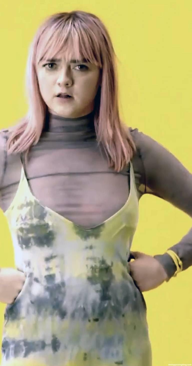Maisie Williams Slip Nip Slip 26