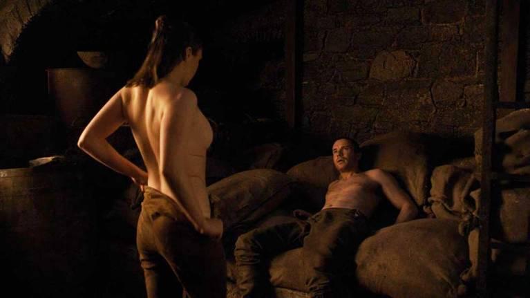 Maisie Williams Nude 5