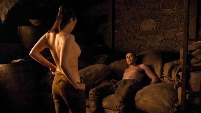 Maisie Williams Nude 10