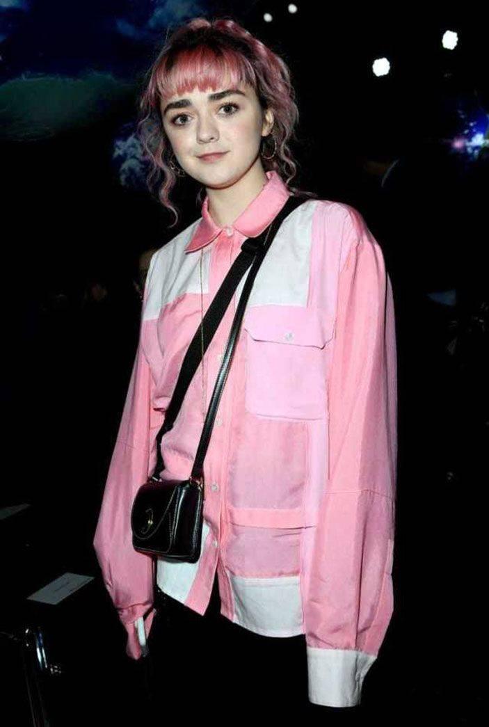 Maisie Williams Nude 22