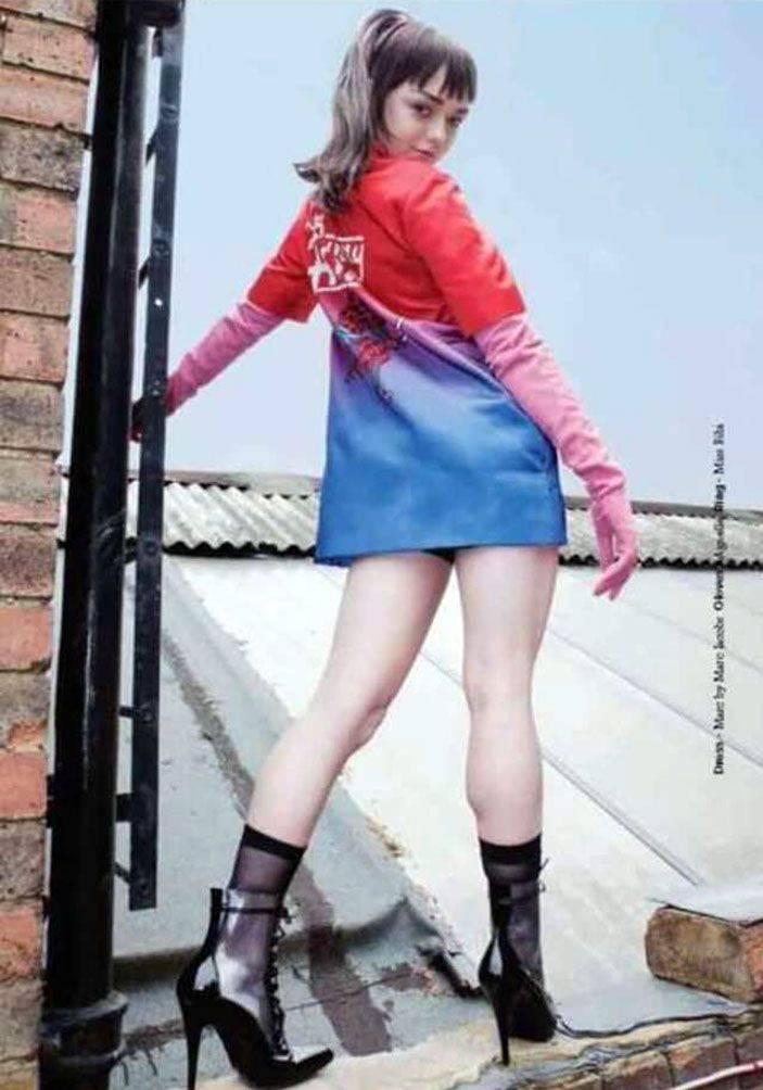 Maisie Williams Nude 25