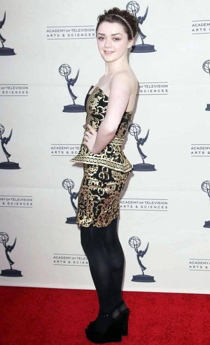 Maisie Williams Nude 29