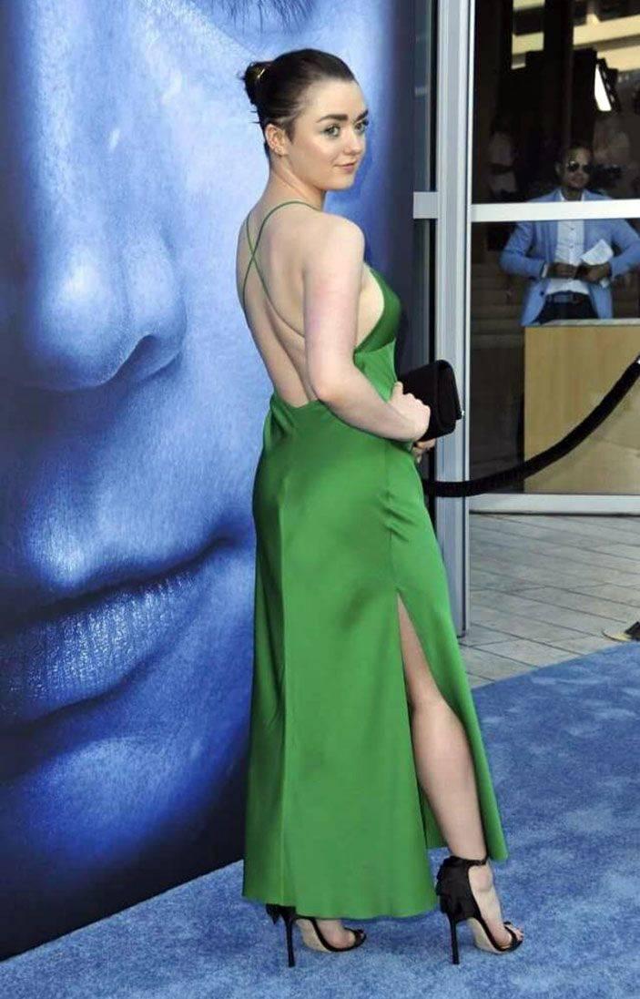 Maisie Williams Nude 34