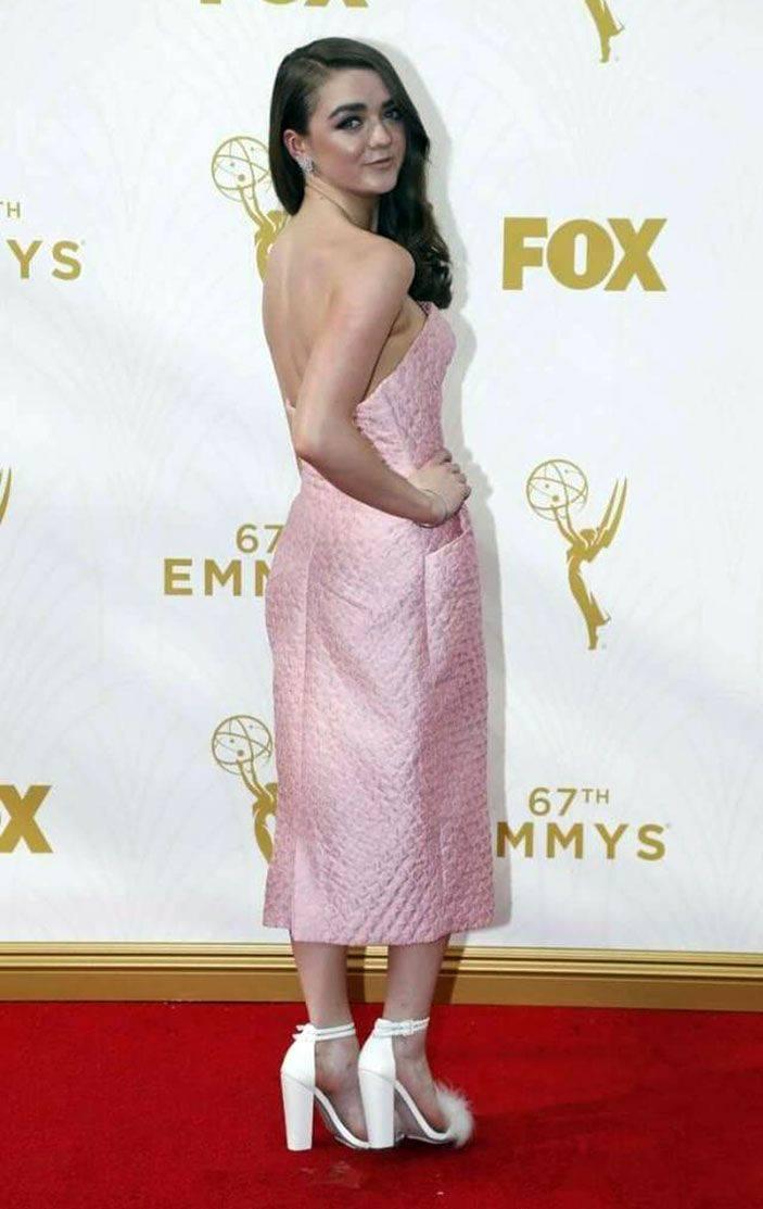 Maisie Williams Nude 37