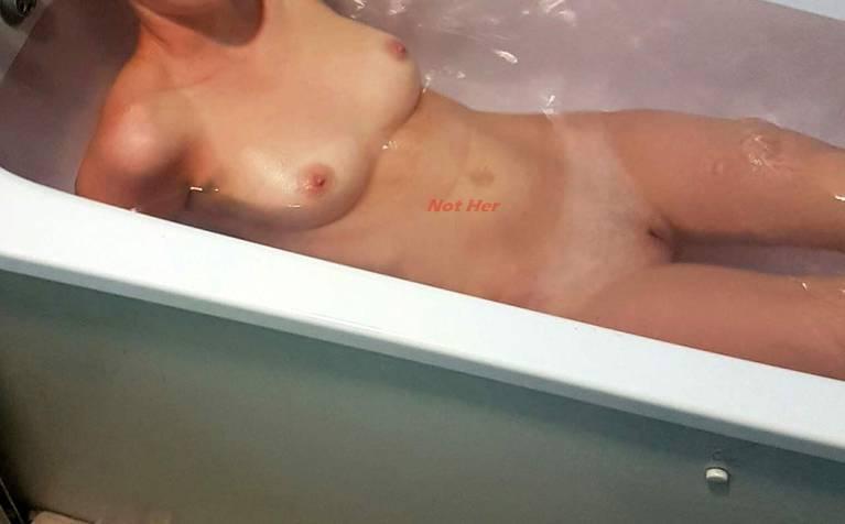 Maisie Williams Nude 72