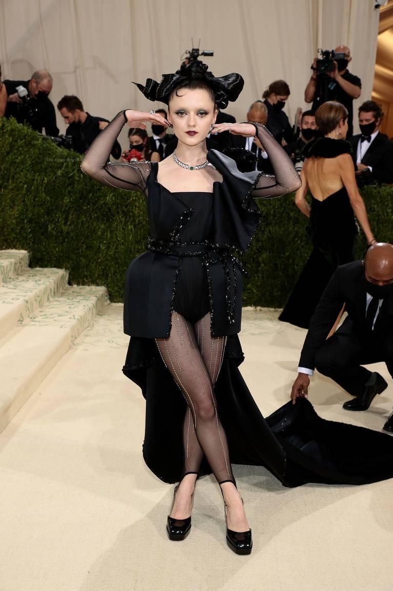 Maisie Williams Sexy 5