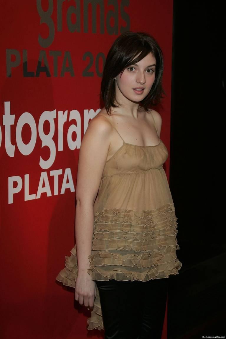 Maria Valverde Naked Sexy 7