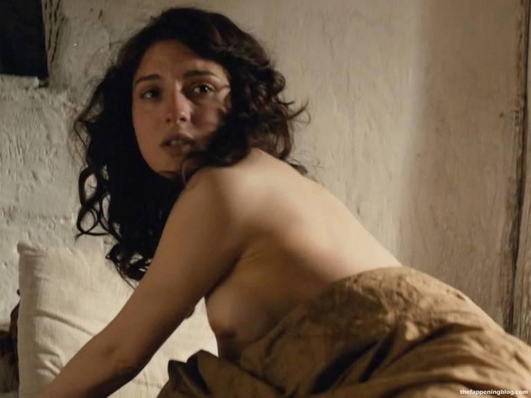 Maria Valverde Naked Sexy 16
