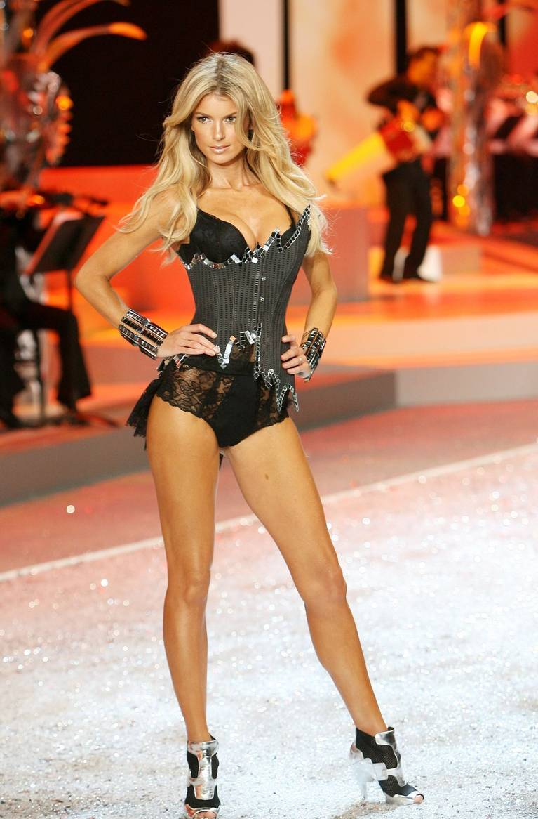 Marisa Miller Nude Sexy 29