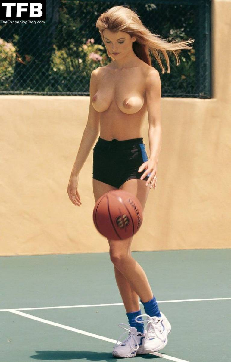 Marisa Miller Nude Sexy 85