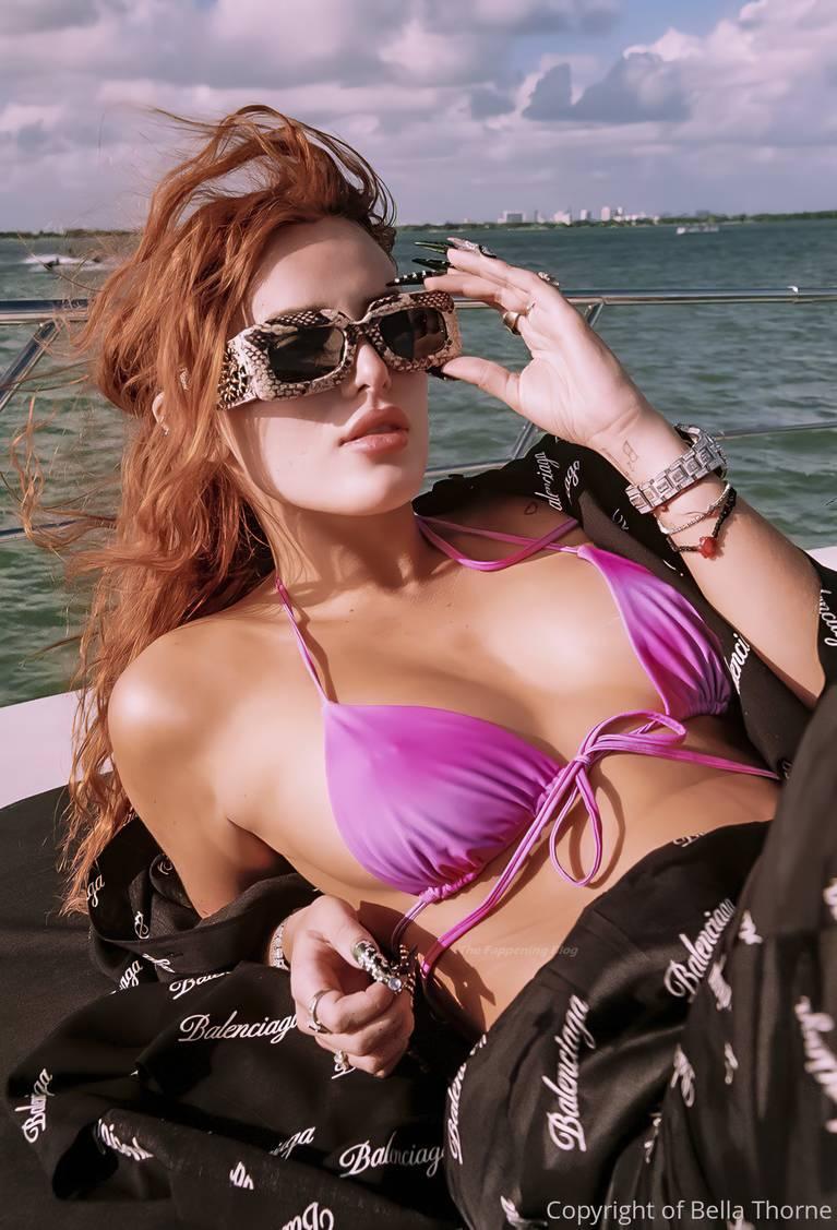 Megan Barton Hanson Sexy 1
