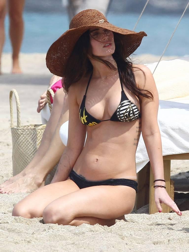 Megan Fox Nude Sexy 31