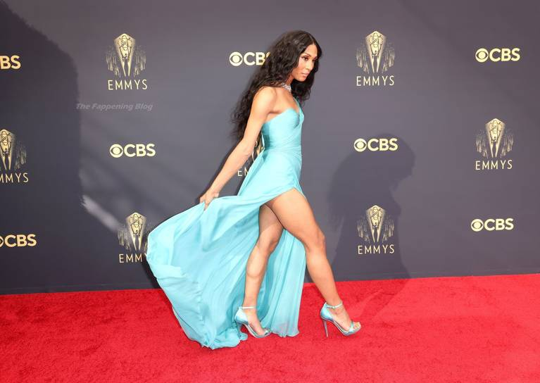 Michaela Jae Rodriguez Sexy Legs 5
