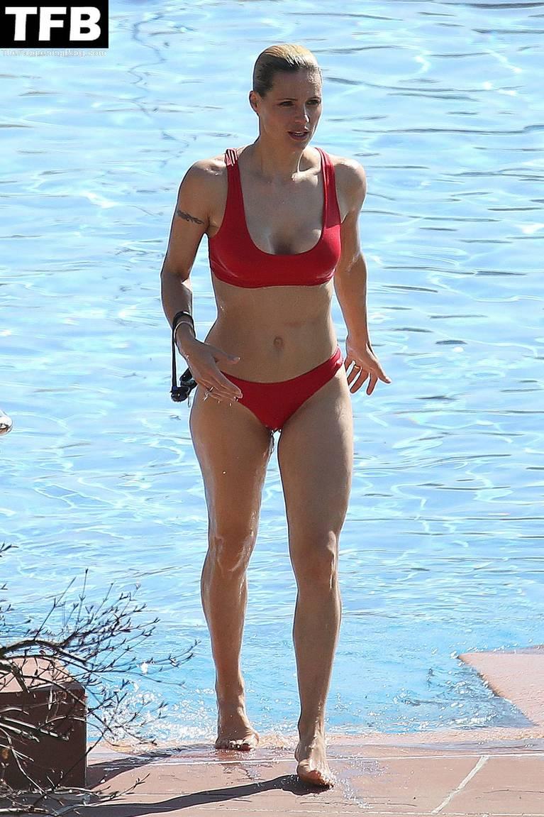 Michelle Hunziker Nude Sexy Topless 24