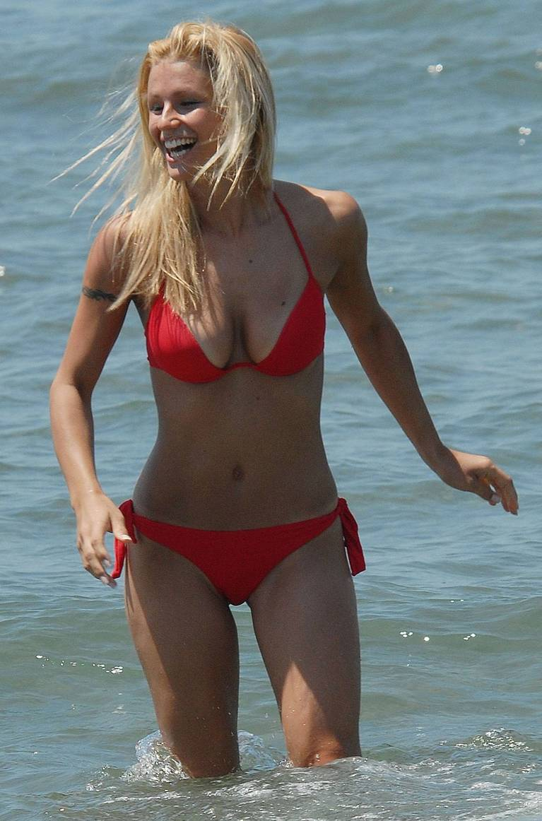 Michelle Hunziker Nude Sexy Topless 46
