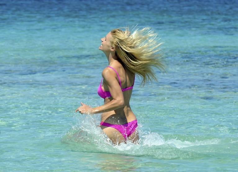 Michelle Hunziker Nude Sexy Topless 85
