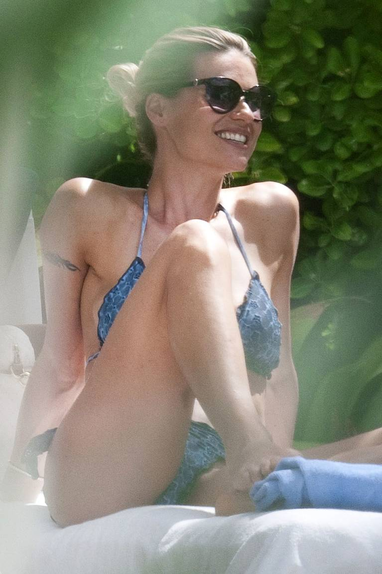 Michelle Hunziker Nude Sexy Topless 92
