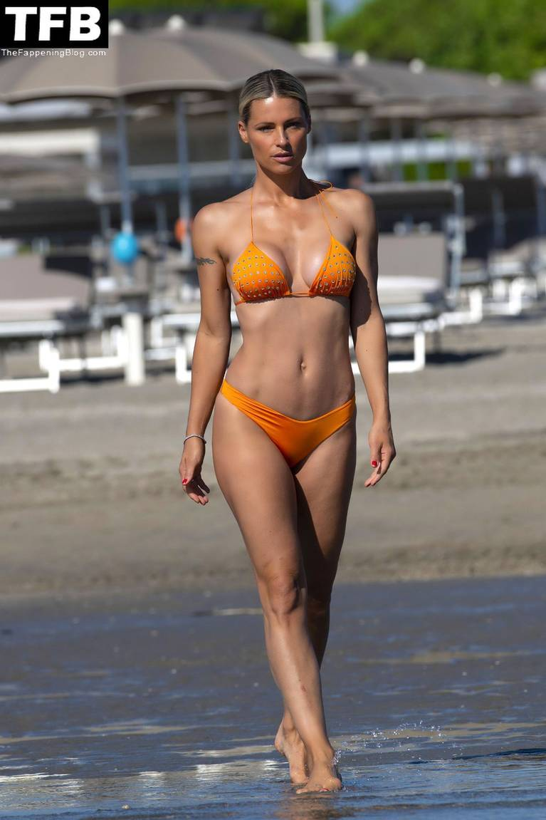 Michelle Hunziker Nude Sexy Topless 134