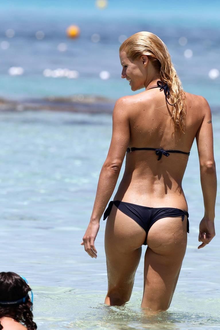 Michelle Hunziker Nude Sexy Topless 139