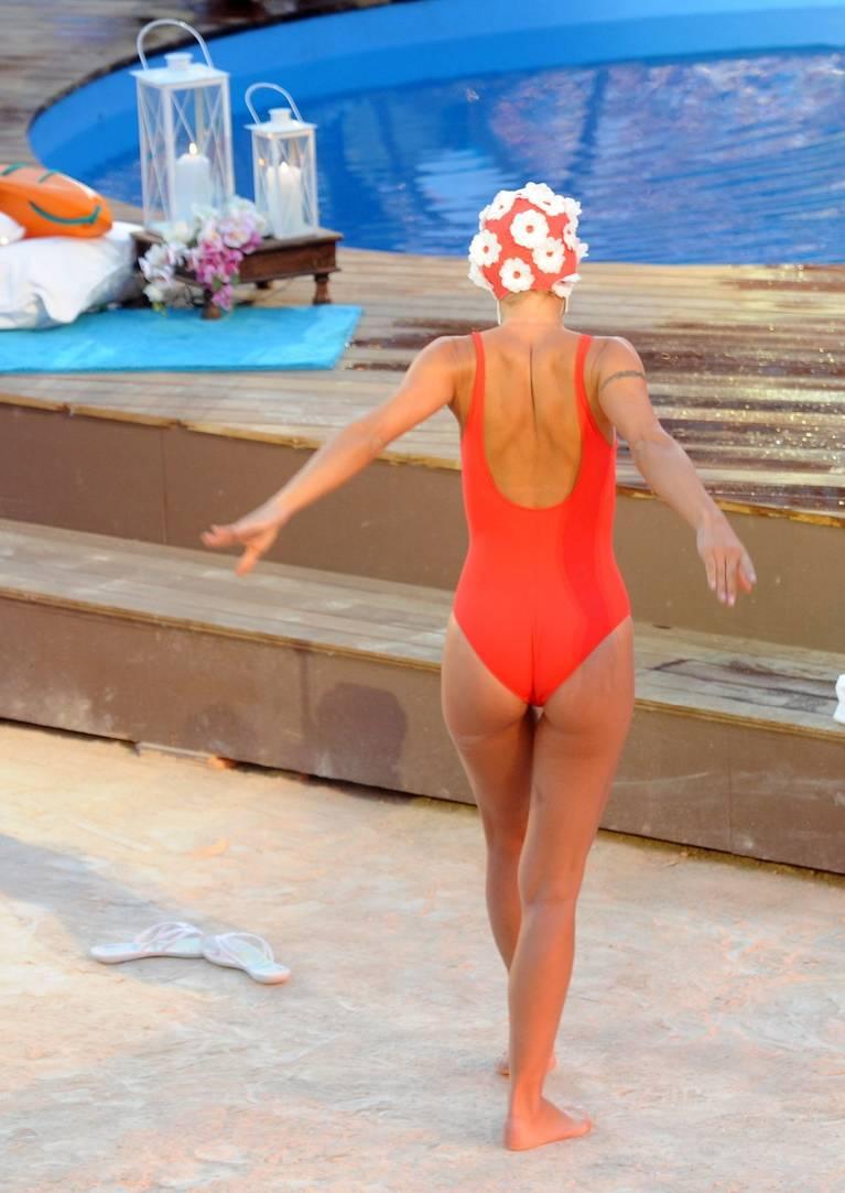 Michelle Hunziker Nude Sexy Topless 141