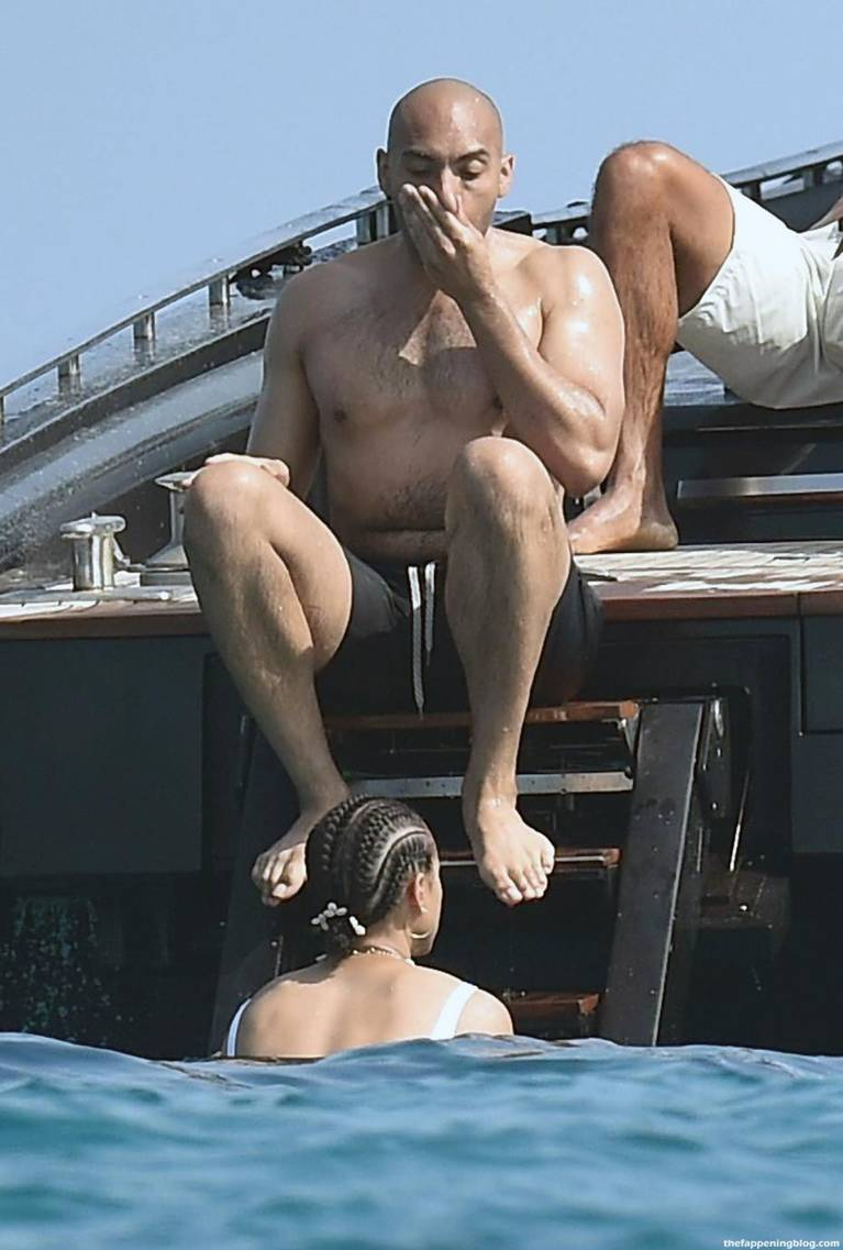 Nathalie Emmanuel Naked Sexy Topless 44