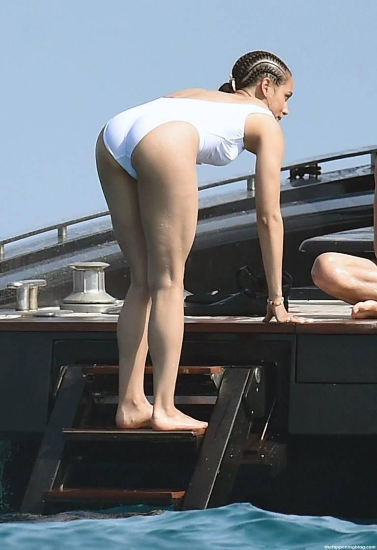 Nathalie Emmanuel Naked Sexy Topless 45