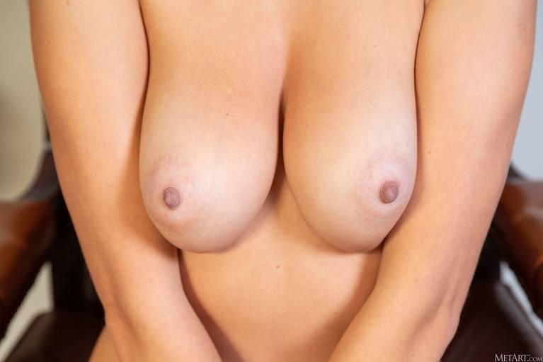 Niemira Nude 52