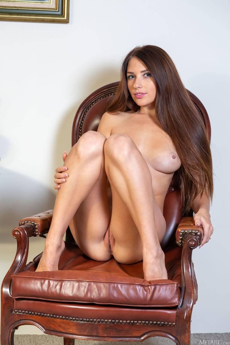 Niemira Nude 54