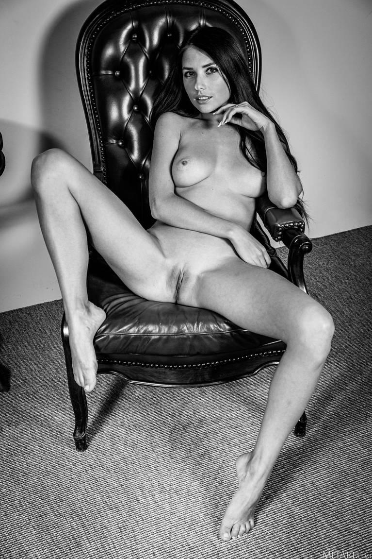 Niemira Nude 134