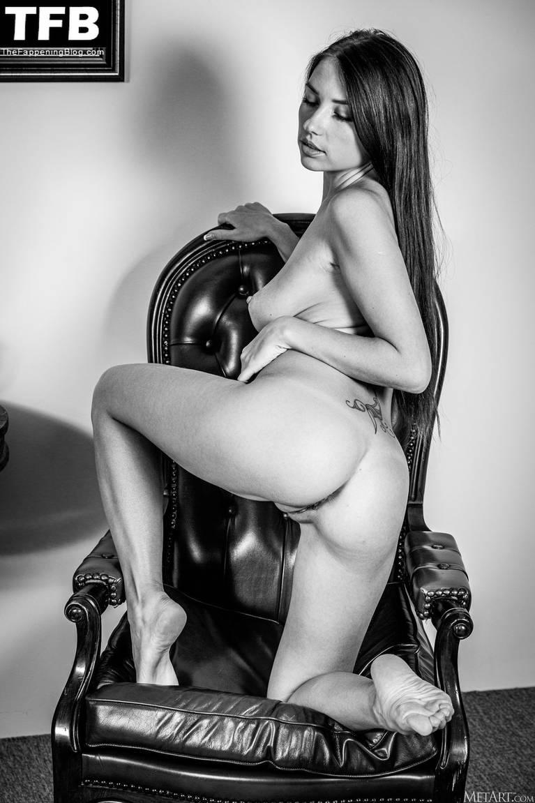 Niemira Nude 136