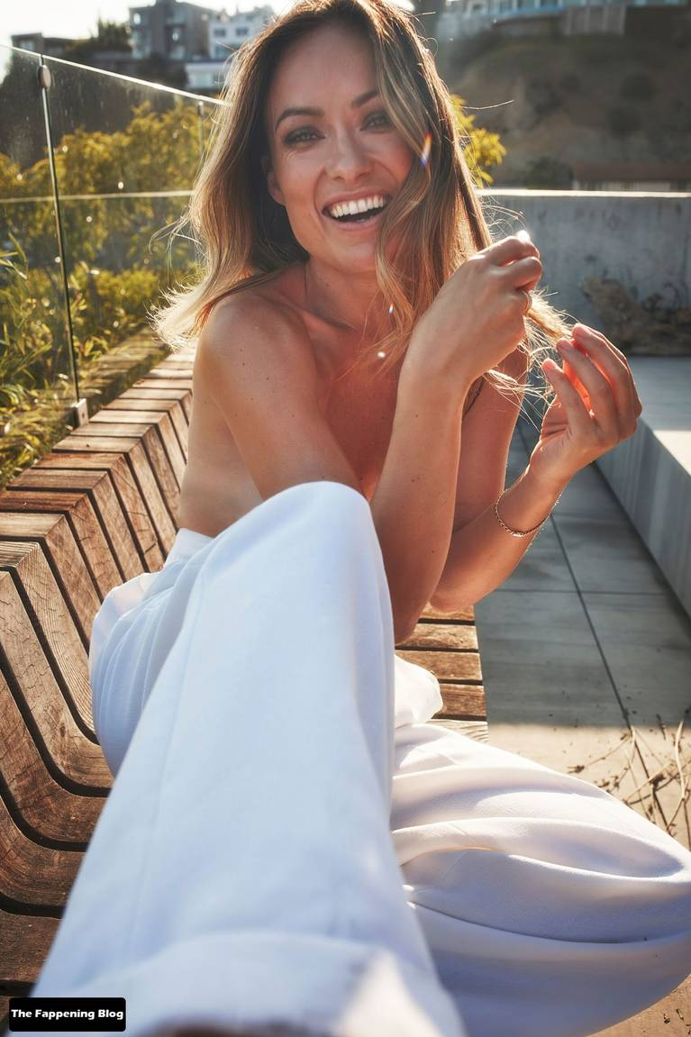 Olivia Wilde Topless 3