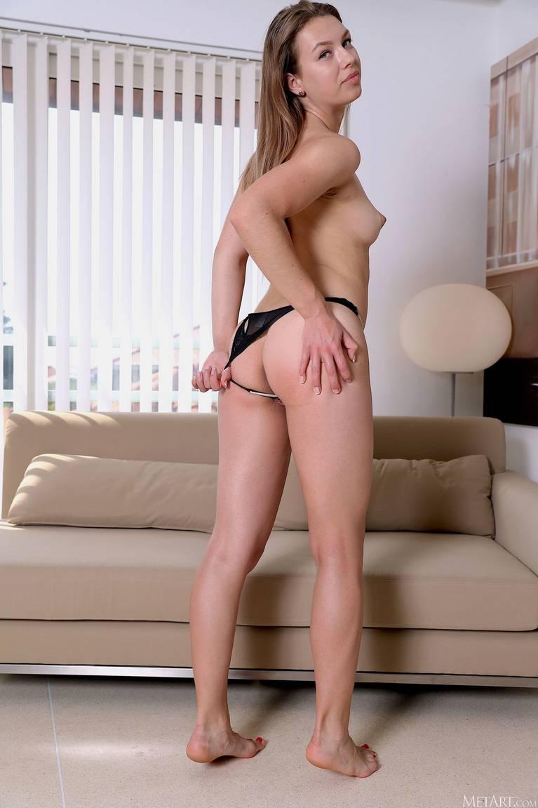 Regina Swift Nude 47