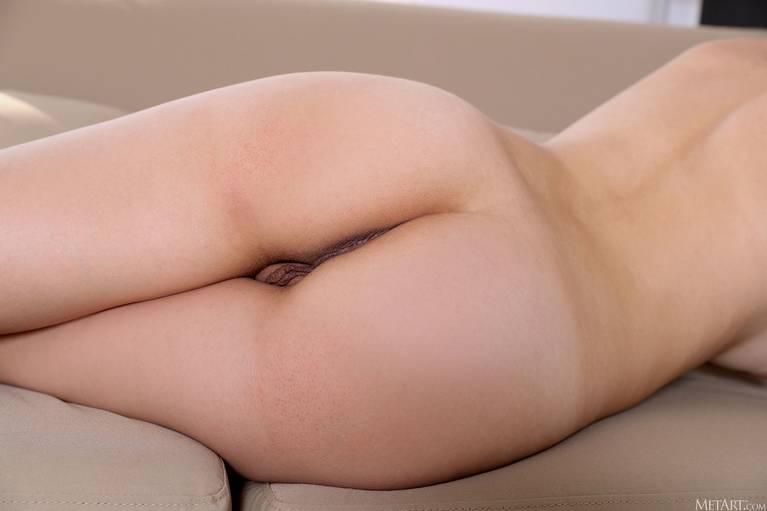Regina Swift Nude 80