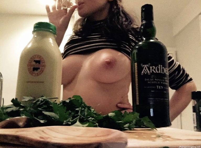 Shailene Woodley Nude Sexy Leaks Fappening 1