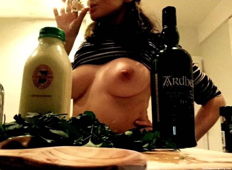 Shailene Woodley Nude Sexy Leaks Fappening 116