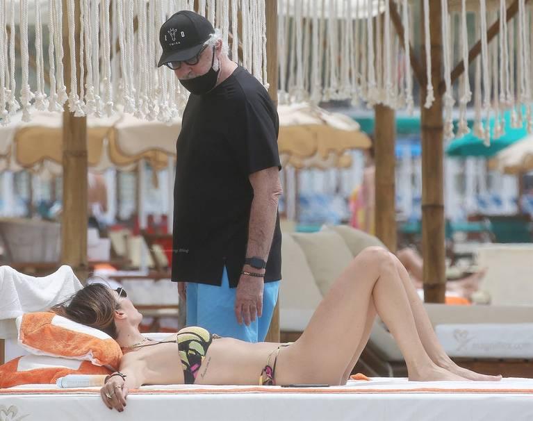 Site News on Beach Bikini Ass 18