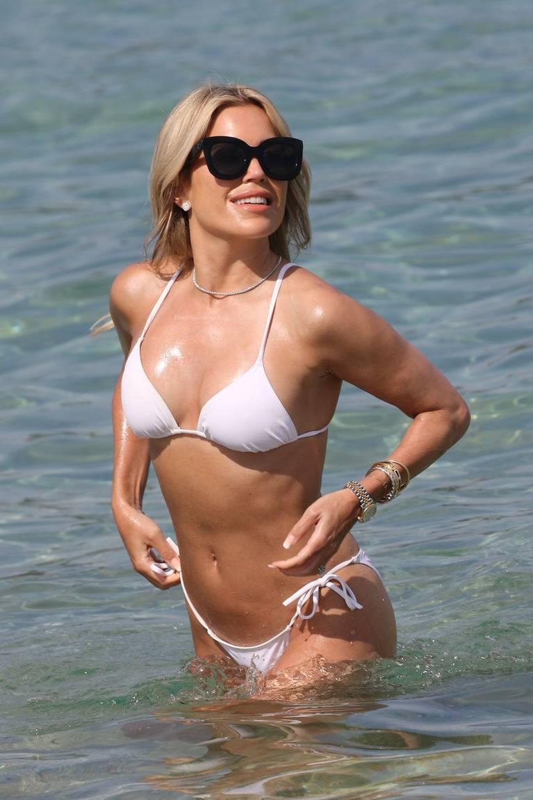 Sylvie Meis on Beach 22