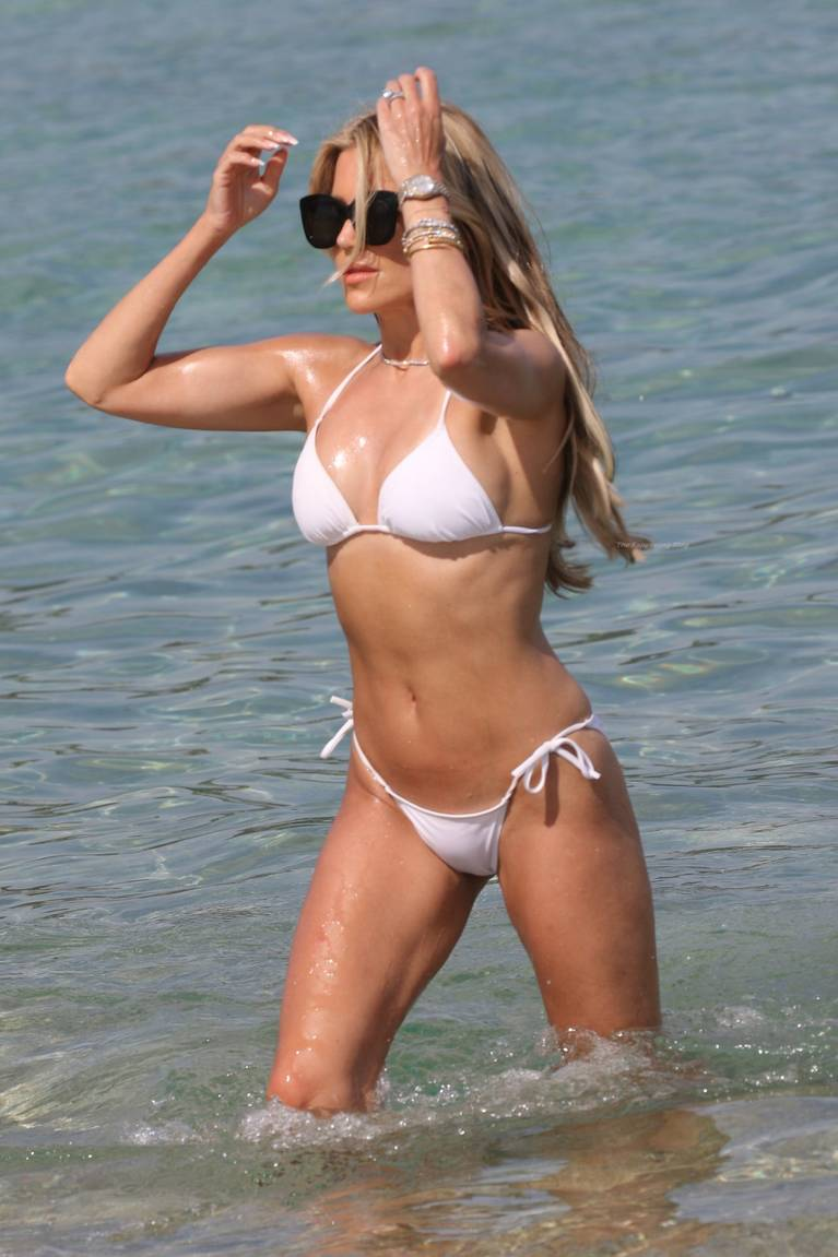 Sylvie Meis on Beach 24